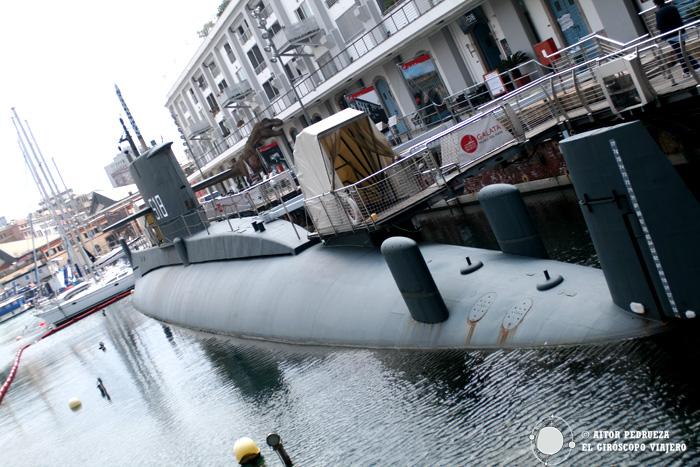 Submarino Nazario Saurio en el puerto de Génova