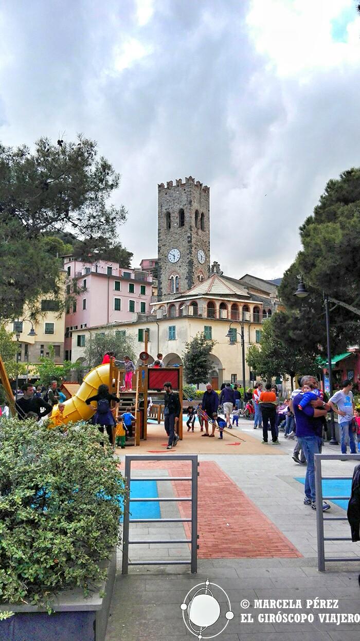 Torre Campanaria frente al Ayuntamiento
