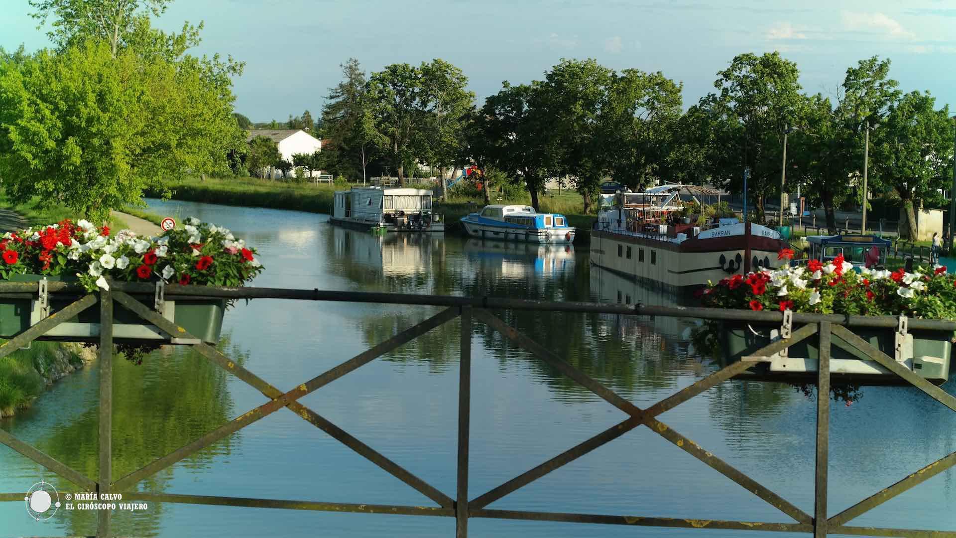 A lo largo del Canal del Garonne nos encontramos rincones llenos de belleza