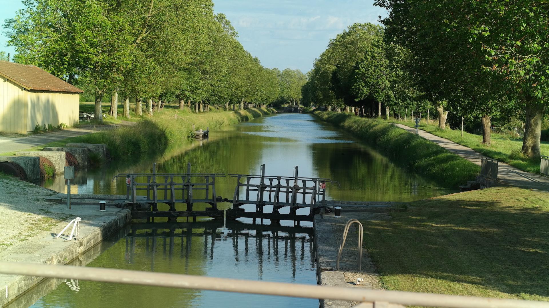 Esclusas a lo largo del Canal del Midi y del Canal del Garona