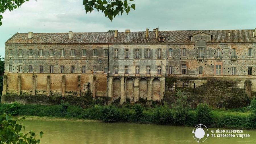 Antigua Abadía de Belleperche, hoy Museo des Arts de la Table. ©Iñigo Pedrueza.