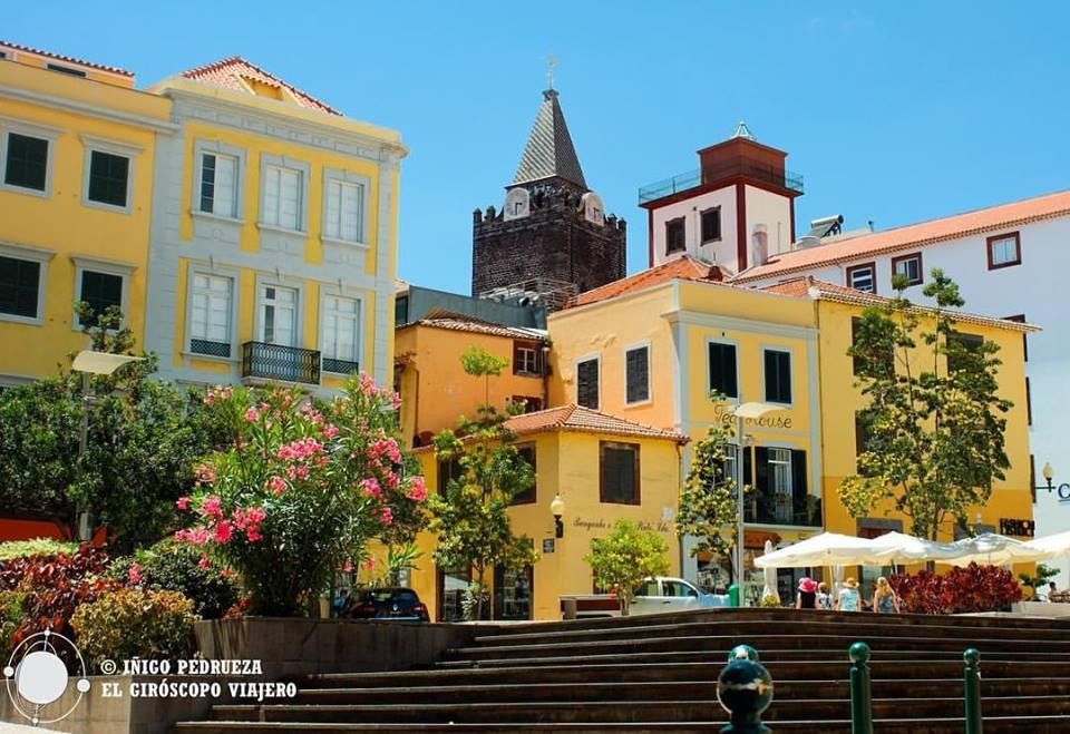 La Plaza amarilla en Funchal es un caleidoscopio