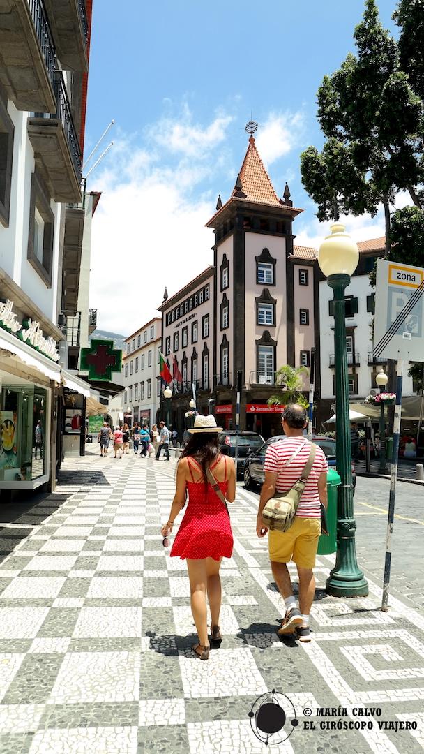 Las calzadas de las calles de Funchal, dibujos laberínticos fascinantes