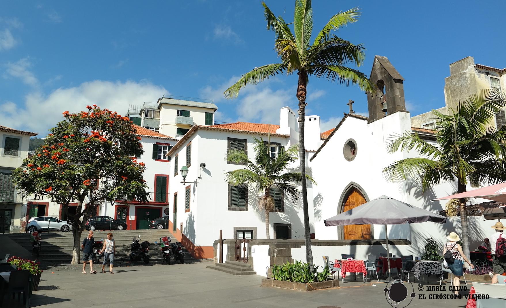 Barrio de Santa María y capilla do Corpo Santo. Funchal está lleno de encantadoras placitas