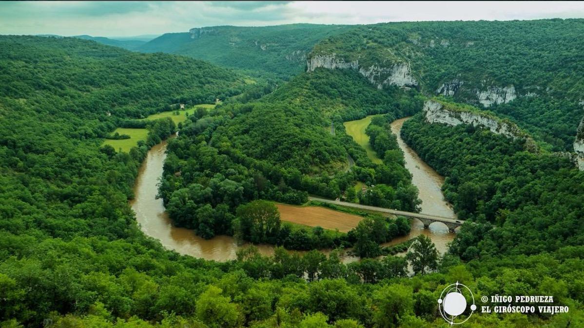 Circo de Bone en las gargantas del río Aveyron. Perfecto para ir en kayak o hacer rutas de senderismo. @Iñigo Pedrueza.