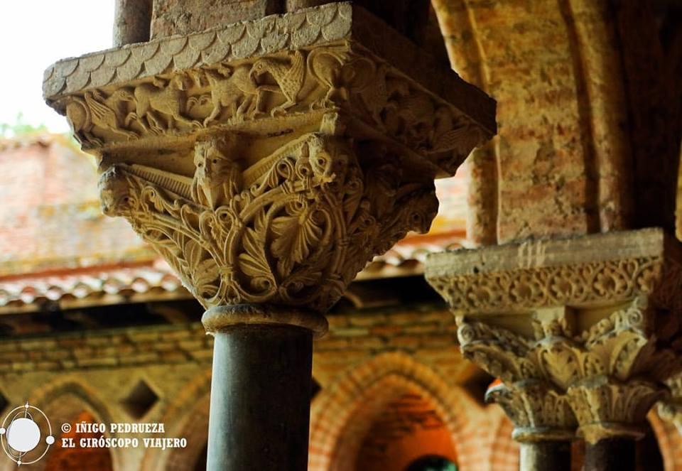 Capiteles del Monasterio cisterciense de Moissac cuyo claustro del siglo XIII destaca por su belleza las influencias ibéricas.