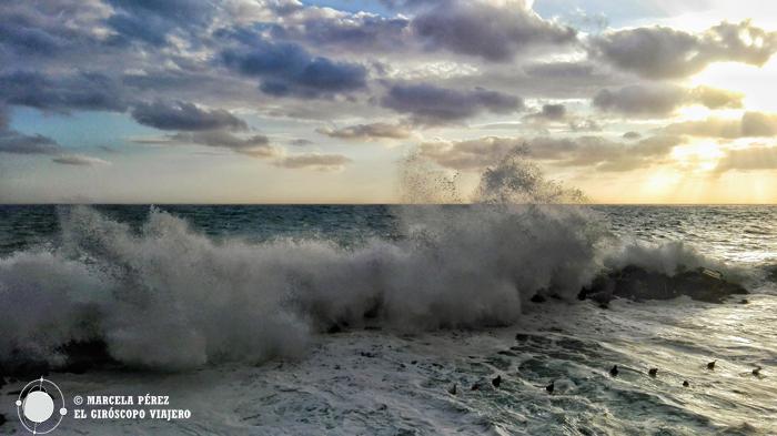 La bravura del mar nos atrapó e un hipnótico instante