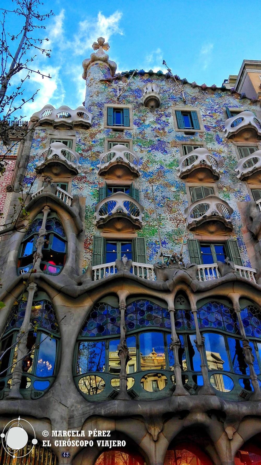 La inconfundible fachada de Casa Batlló