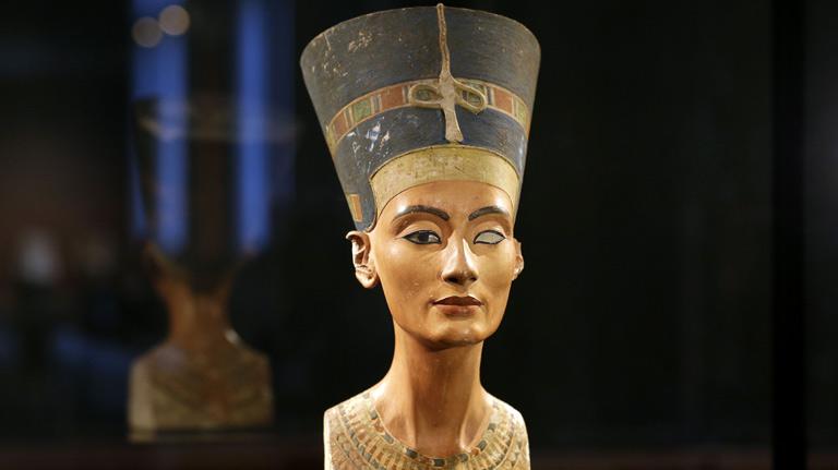 Magnífica Nefertiti.