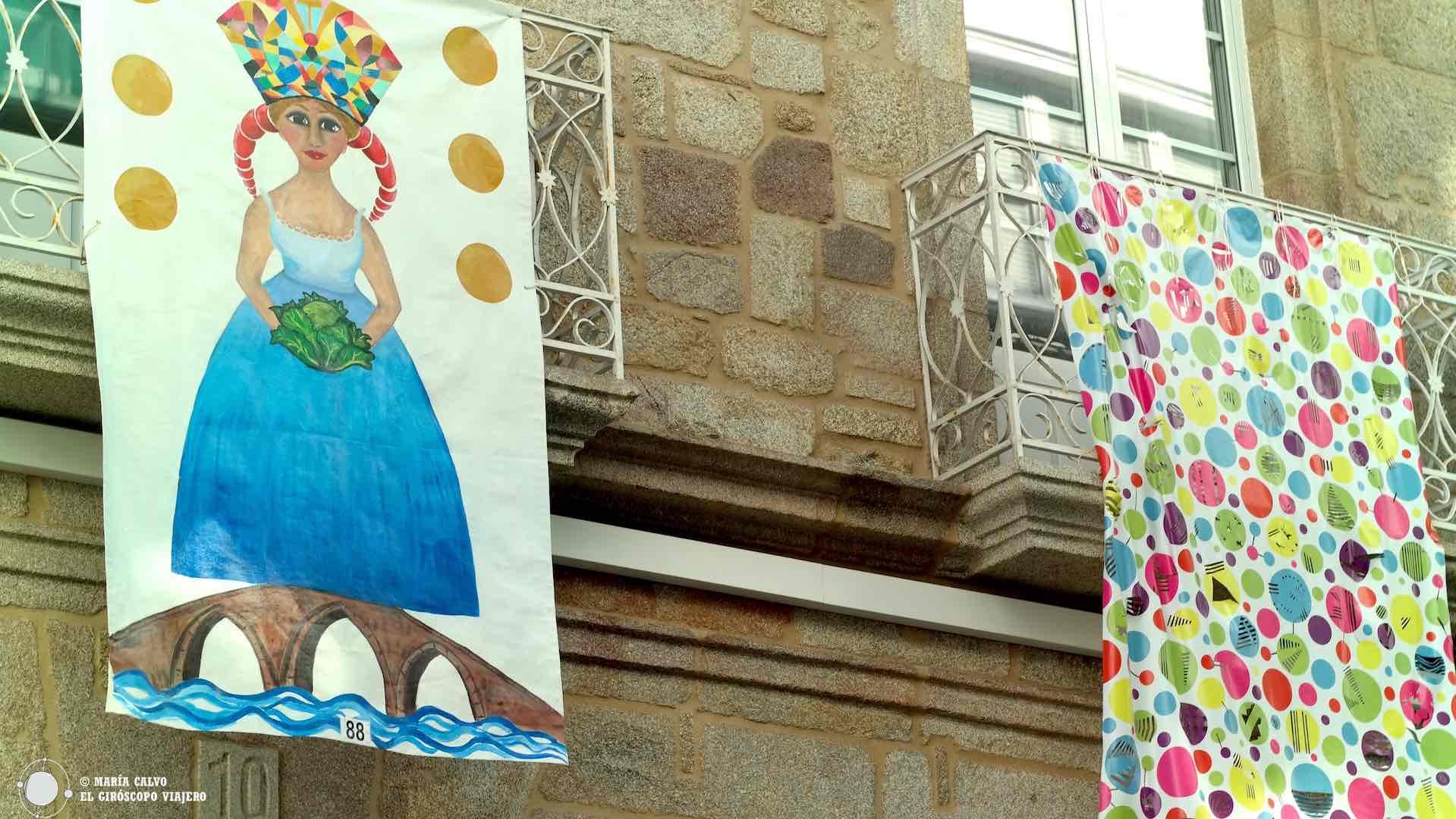 """En la Bienal """"As Balconadas"""" los balcones de Betanzos se llenan de obras de arte"""