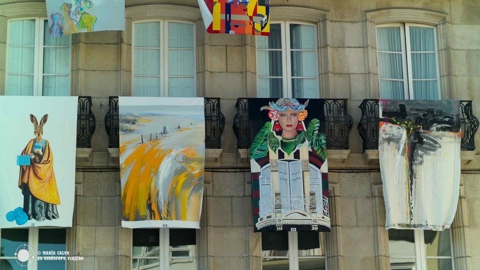 """""""As Balconadas"""" convierten la ciudad de Betanzos en una galería de arte al aire libre"""