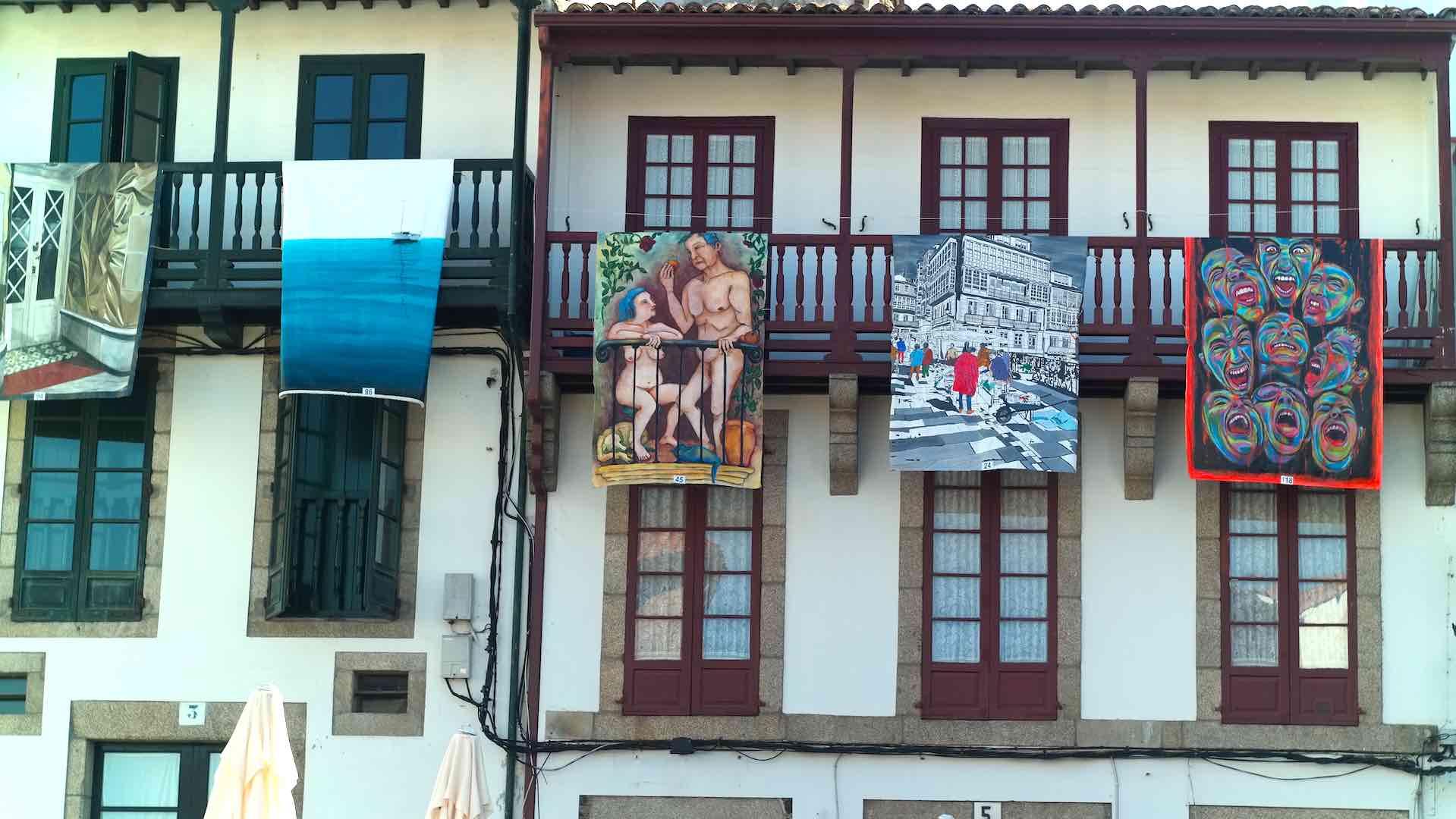 """En la Plaza de Fernán Pérez de Andrade """"Bó"""", las """"balconadas"""" hacen su aparición"""