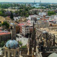 Los cielos de Sevilla desde su centinela, la Giralda