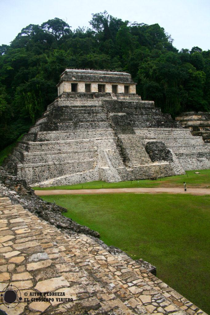 Templo de las inscripciones en el yacimiento de Palenque