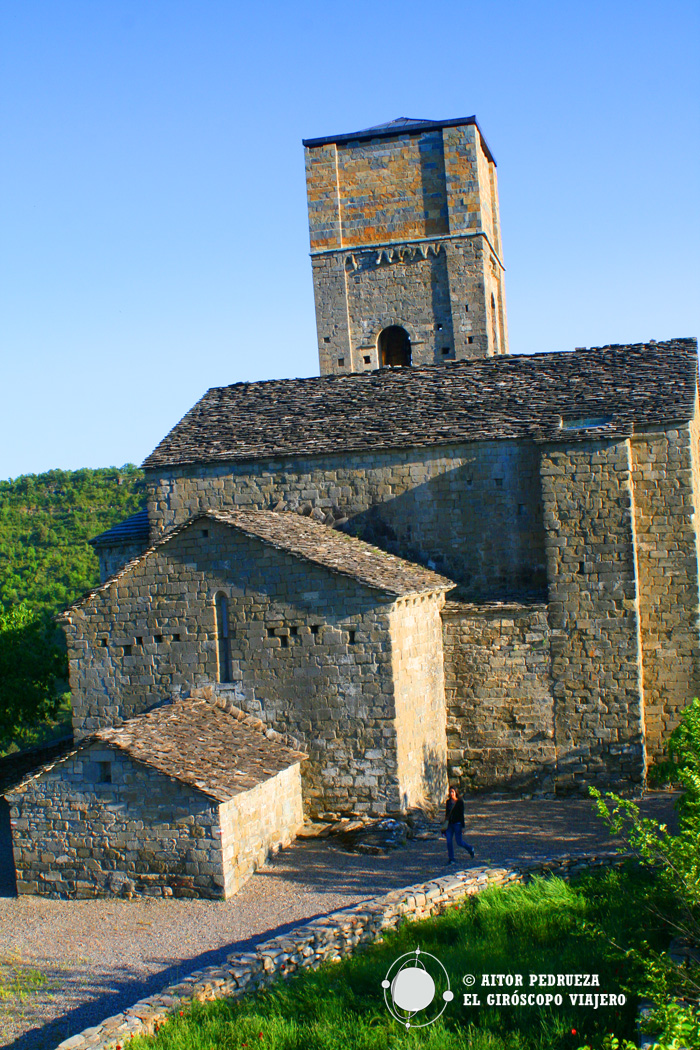 Iglesia de Santa María de Baldós en Montañana, de estilo románico-gótico.