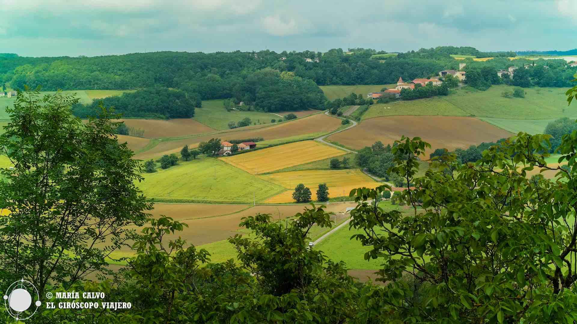 Espléndidos colores de los campos de Lauzerte en primavera