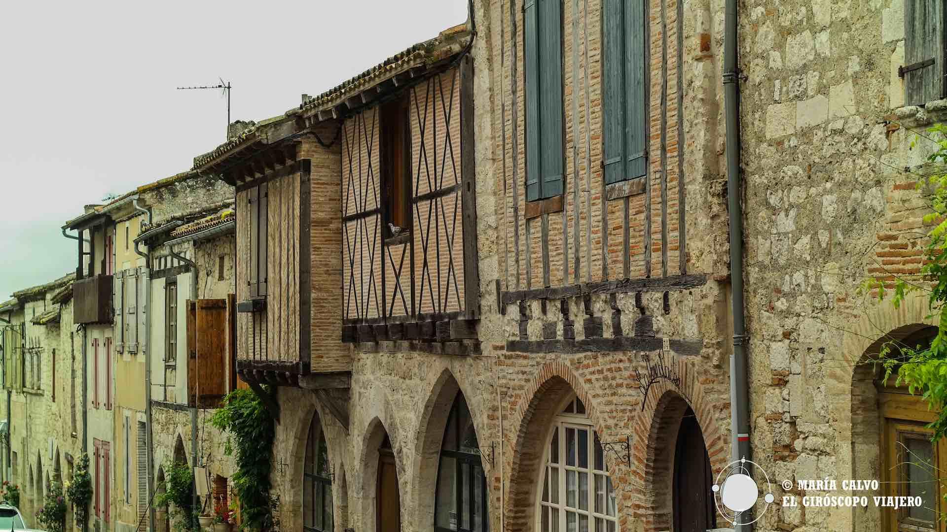Casas de comerciantes de piedra blanca de los siglos XIII y XIV