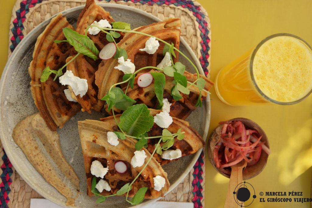 Waffles con chorizo y queso de cabra... ¡Suculenta combinación en Boca de Miel!