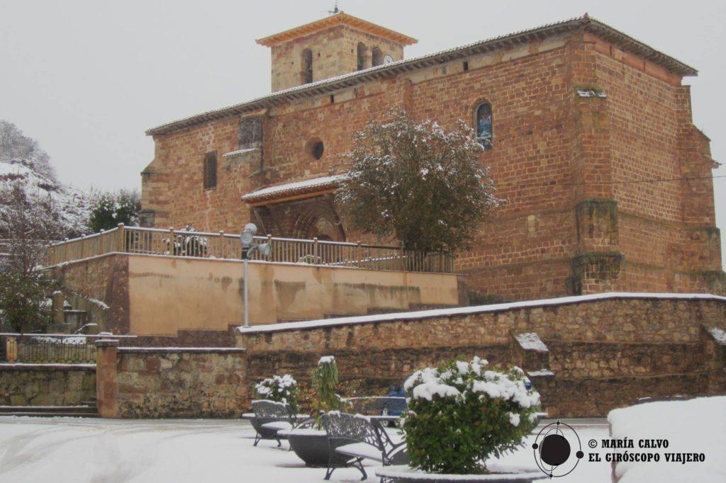 Iglesia de Fresneda, silencio alrededor.