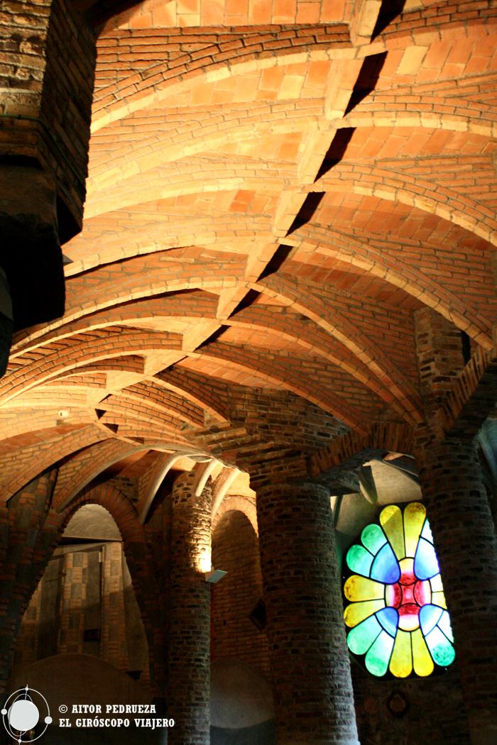 Techo de la Cripta de Gaudí
