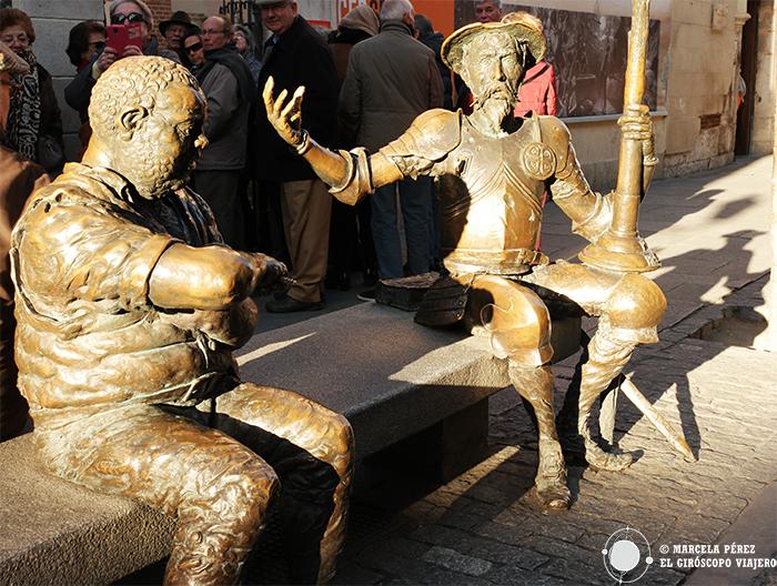 Quijote y Sancho como centinelas del Museo Casa Natal de Cervantes