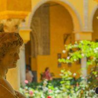 Visita al palacio de Las Dueñas, Sevilla, donde nació Machado