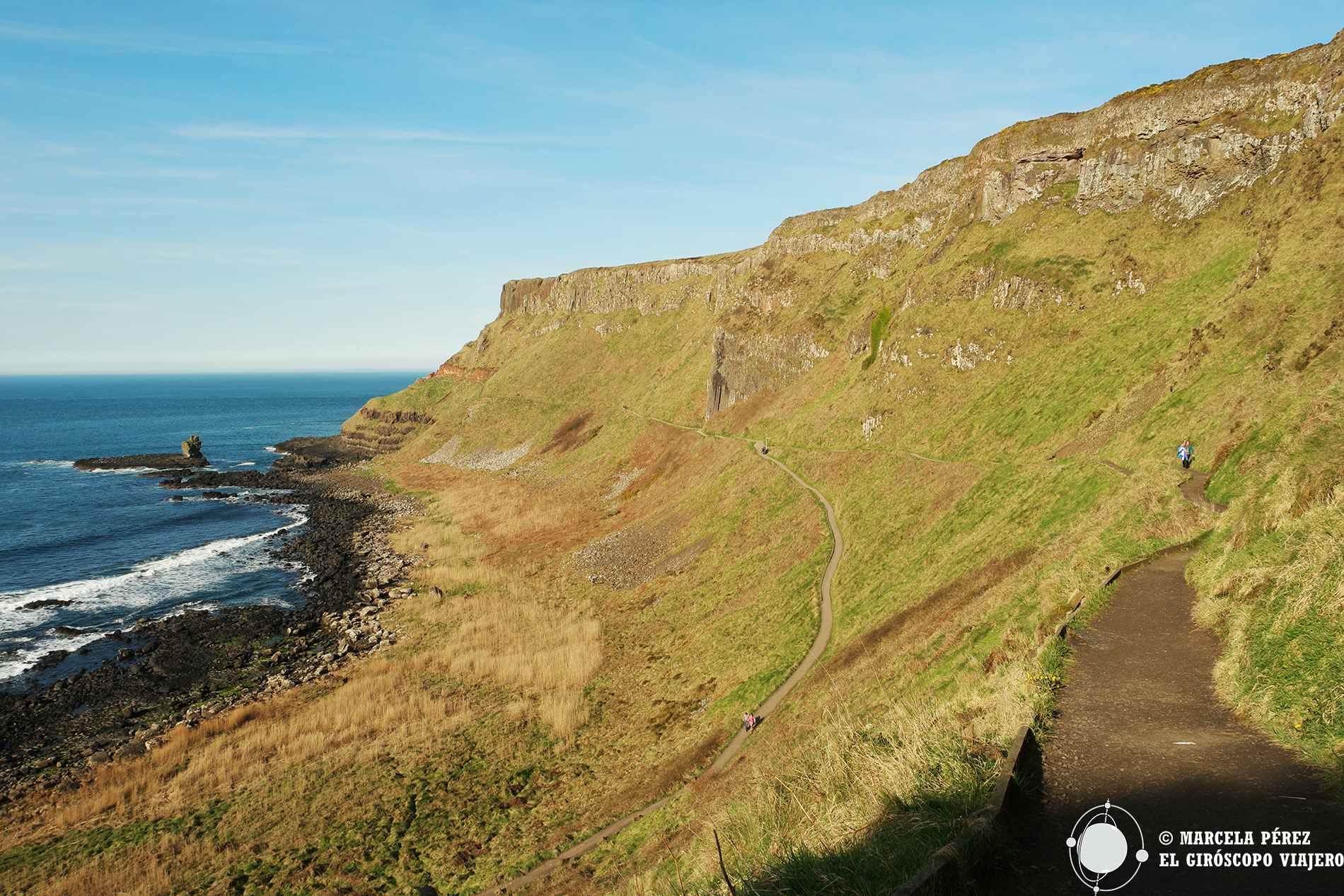 Los senderos que conducen a la cima de los acantilados