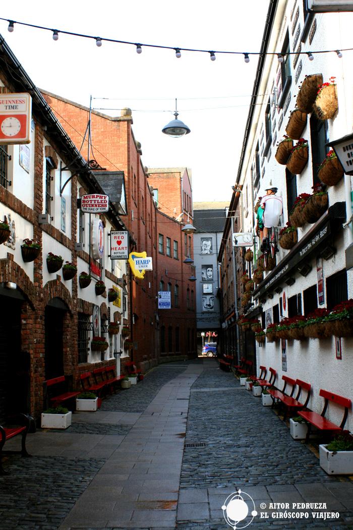 Pubs en Cathedral Quarter, una de las zonas de marcha de Belfast