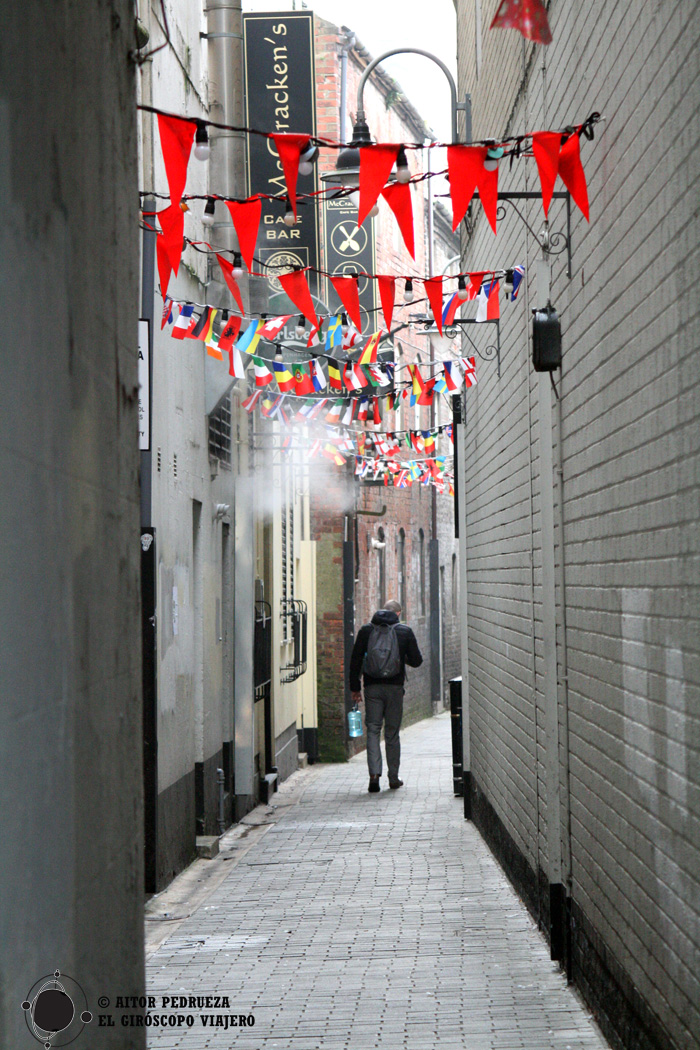 Callejones de Belfast que conducen a pubs ocultos
