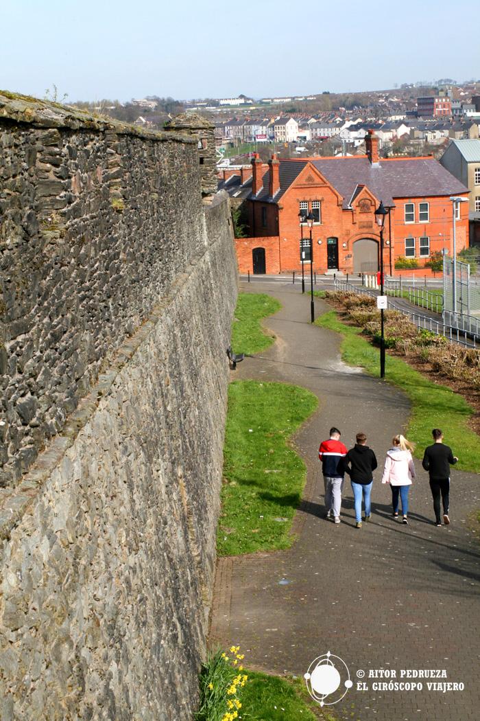 Paseo alrededor de las murallas de Derry