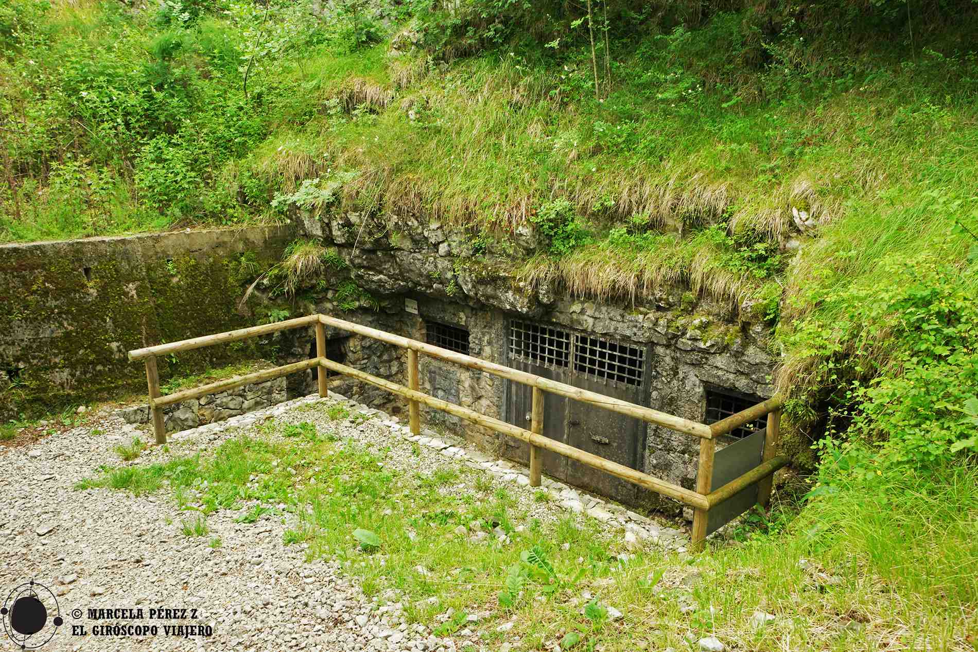 Cueva de Pečinka