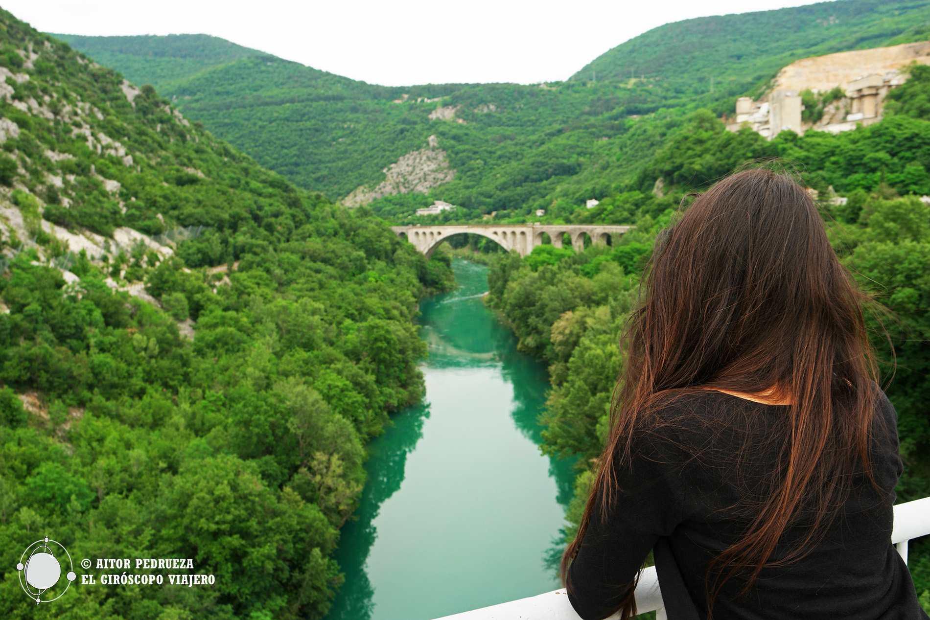 Descanso para los ojos frente al puente de Solkan