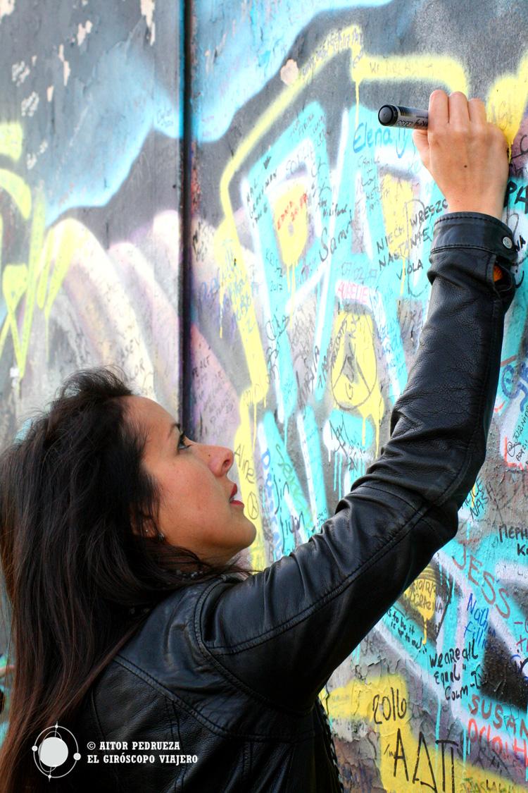 Firmas por la Paz en el Peace Wall