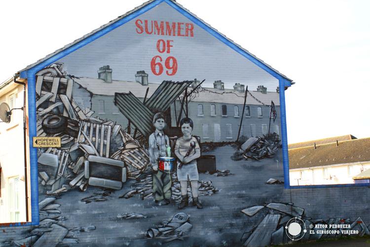 Murales recordando algunos de los episodios del conflicto irlandés en el barrio de Shankill Road