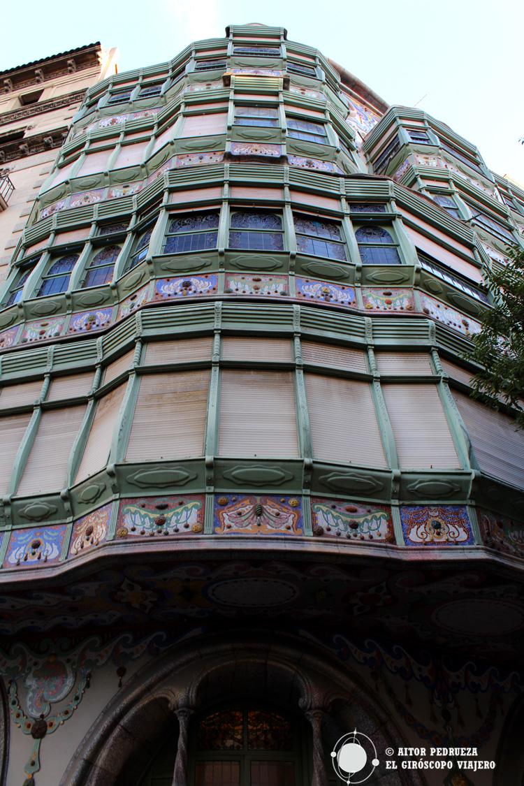 Casa Comalat obra de Salvador Valeri i Pupurull