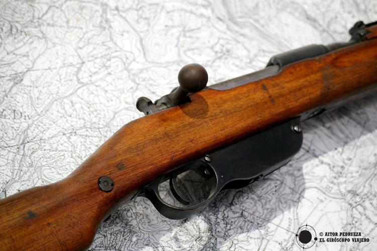 Rifle en el Museo de la Montaña de Sabotin