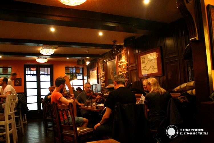 Música en directo en el Pub Antiquary