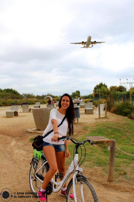 En uno de los miradores de aviones del aeropuerto del Prat