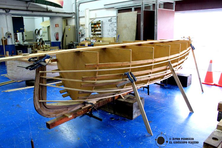 Taller de reparación y reproducción de barcos