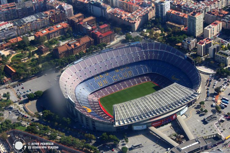 El campo del Furbol Club Barcelona desde el helicóptero