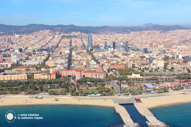 Panorámica de Barcelona desde el helicóptero