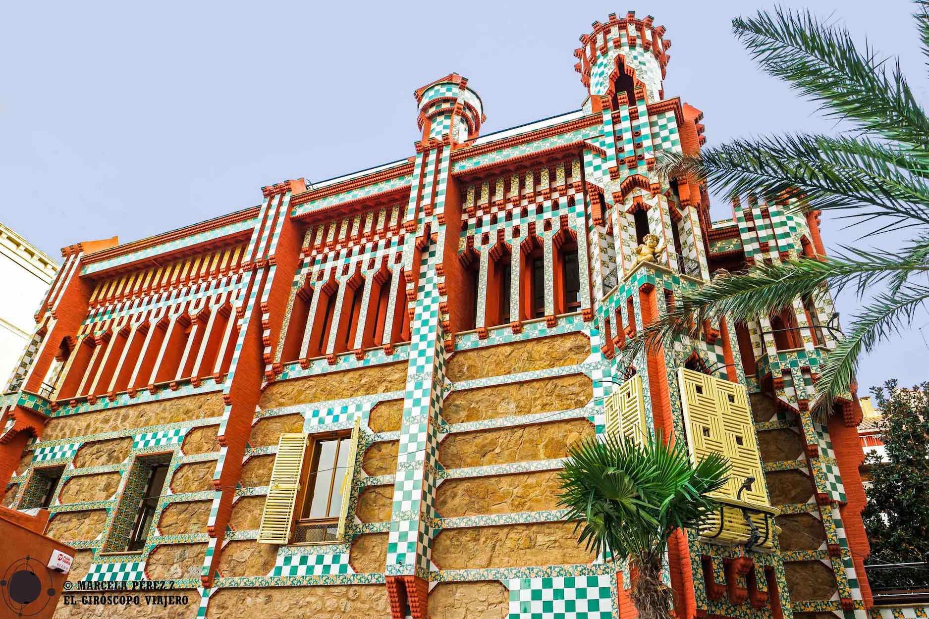 Fachada de Casa Vicens, la primera casa de Gaudí en Barcelona