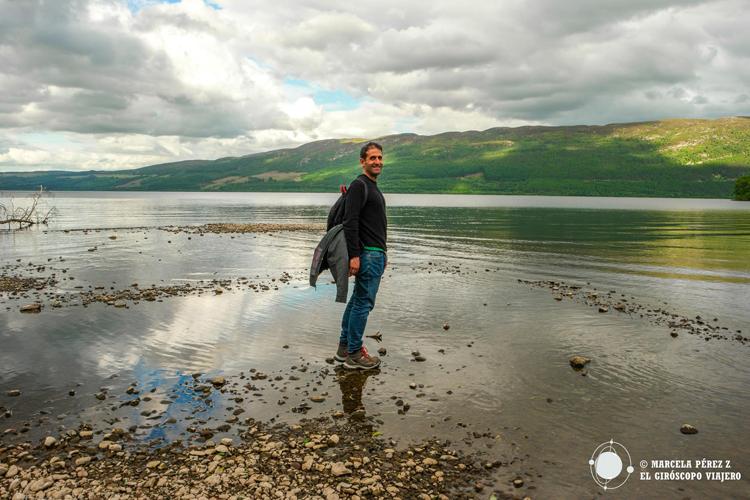 """""""Flotando"""" sobre las aguas del Lago Ness"""