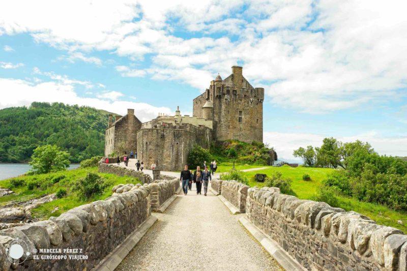 Pasear por los alrededores del castillo Eilean Donan es un deleite visual