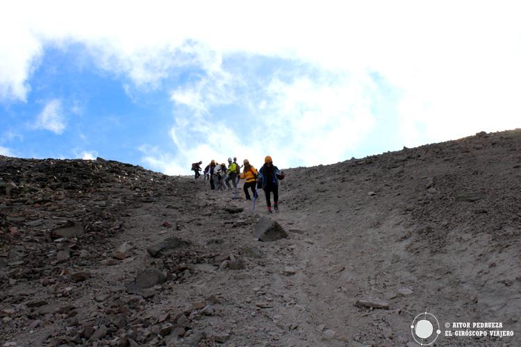 Descenso al cráter del Nevado de Toluca
