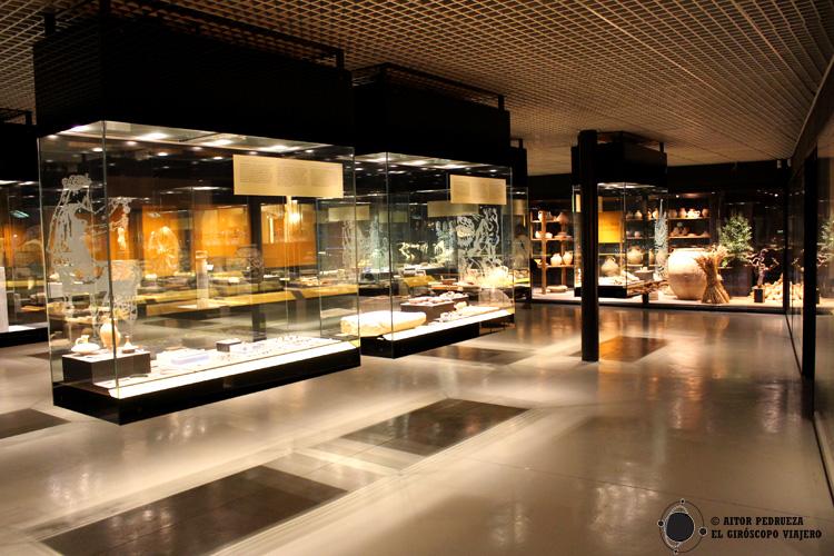 Sala de la exposición permanente del Museo Romano de Badalona