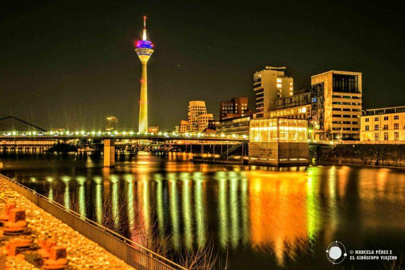 Foto de Düsseldorf de noche