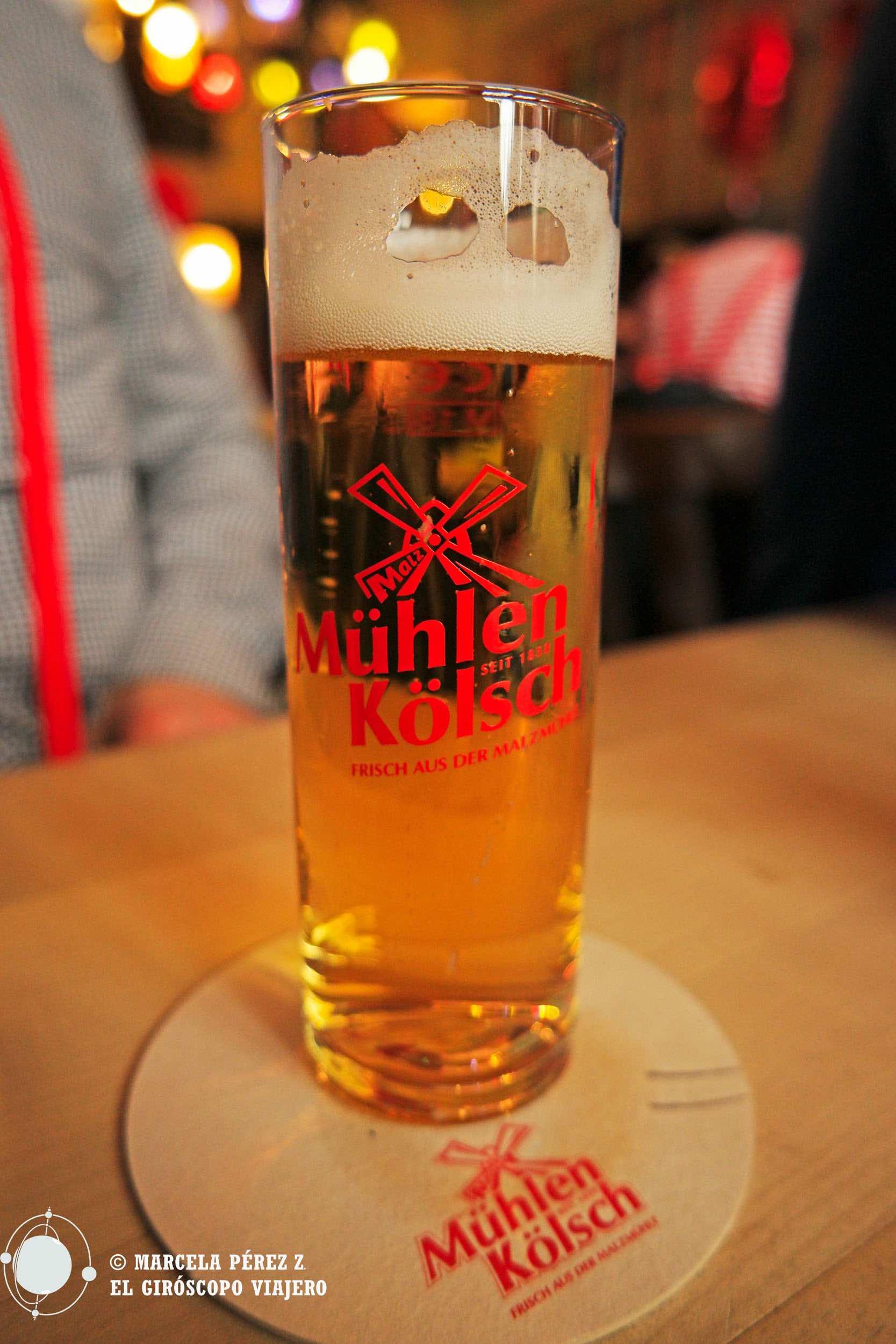 Probando la cerveza kölsch