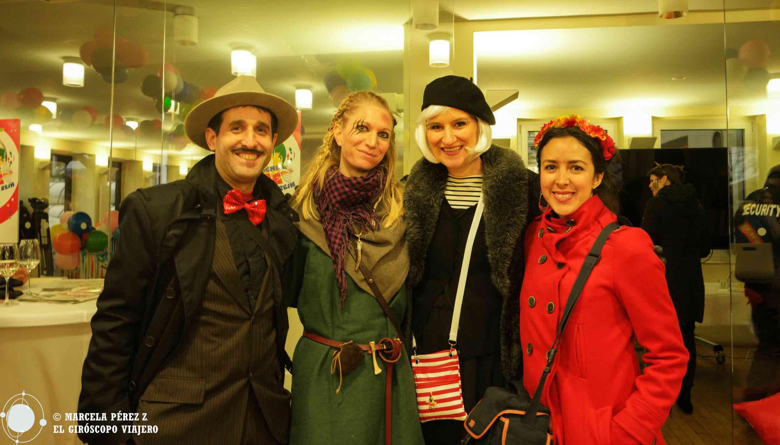Con las responsables de la oficina de turismo de Colonia durante el carnaval