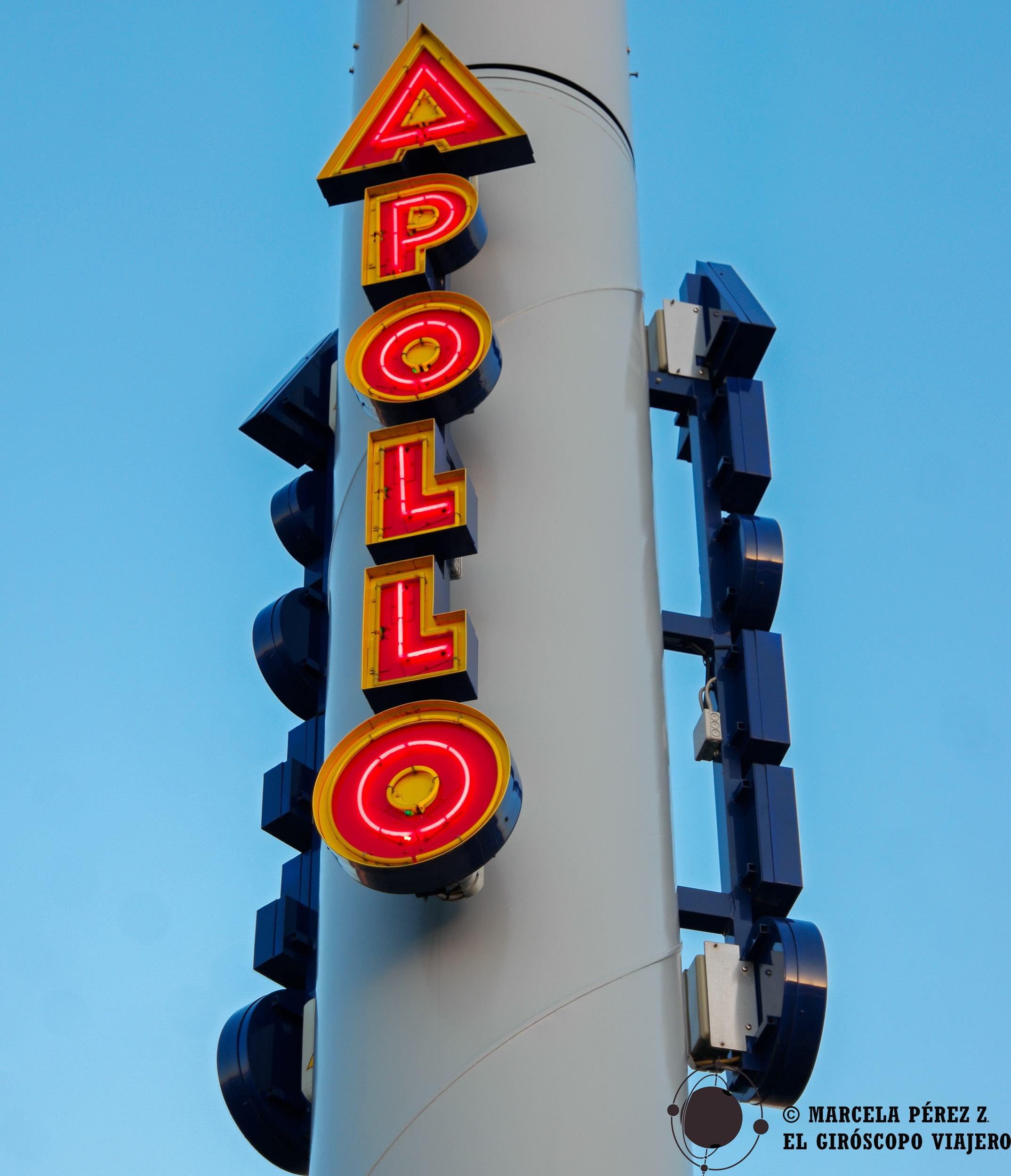 El teatro Apollo con sus espectáculos de cabaret ©Marcela Pérez Z.